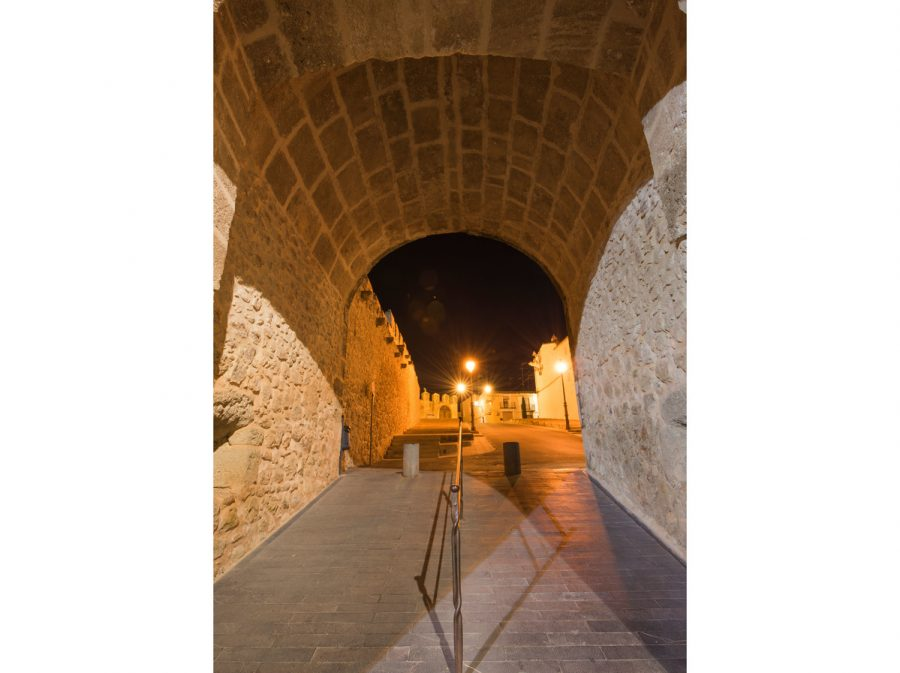 Portal Llíria nocturno 2