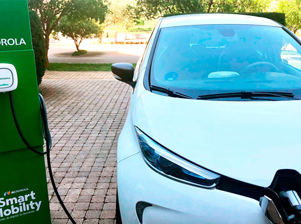 El IVACE subvenciona un punto de recarga eléctrica para vehículos